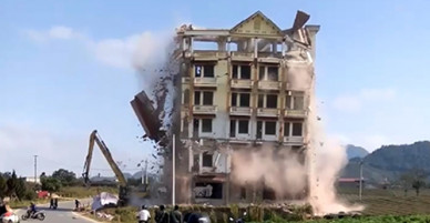 Tòa nhà 7 tầng của trùm ma túy Tàng KeangNam bị phá dỡ