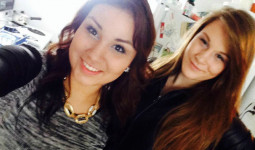 Bức ảnh selfie trên Facebook tố cáo tội giết người của cô gái trẻ