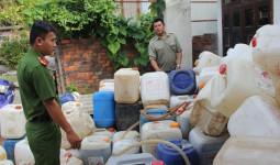 Rùng mình cơ sở sản xuất nước mắm bằng muối và nước giếng