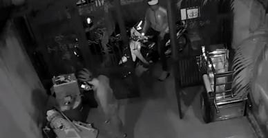 Bị trộm viếng thăm lúc nửa đêm, gia đình bị lấy 3 chiếc xe máy chỉ trong 1 giờ mà không hề hay biết
