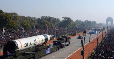 """Tên lửa đạn đạo """"khủng"""" Ấn Độ vừa tung ra khiến kẻ thù phải run sợ"""