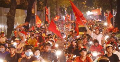 Hàng trăm xe ở Sài Gòn bị tạm giữ sau trận bão đêm