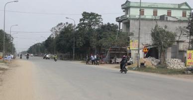 Phó phòng tư pháp bị đâm trọng thương giữa đường