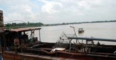 Hưng Yên: Tạm dừng hoạt động khai thác cát của Công ty Sông Hồng