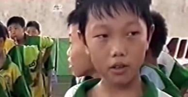 Clip Xuân Trường trả lời phỏng vấn lưu loát 13 năm trước bất ngờ gây sốt mạng