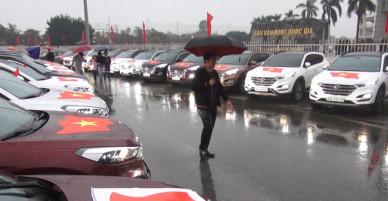 Hơn trăm ôtô gắn quốc kỳ diễu hành cổ vũ U23 Việt Nam - VnExpress