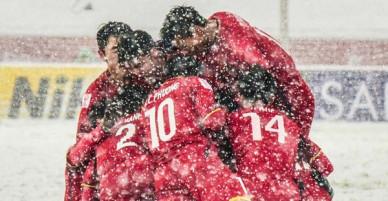 Bức ảnh của U23 Việt Nam giữa tuyết trắng được netizen Trung chia sẻ: Các bạn chính là người hùng của Việt Nam