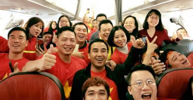 Sao Việt rủ nhau đi Trung Quốc cổ vũ U23 Việt Nam đá chung kết
