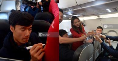 Bùi Tiến Dũng ngượng ngùng, nhắm tịt mắt chụp ảnh cùng người mẫu Lại Thanh Hương