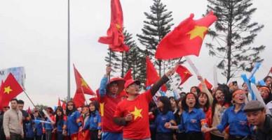 Không khí náo nhiệt đón đội tuyển U23 Việt Nam tại sân bay Nội Bài, Hà Nội