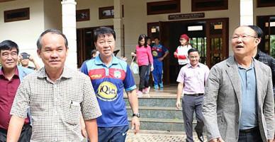HLV Park Hang seo đã tới Phố núi cảm ơn bầu Đức sau kỳ tích U23 Việt Nam
