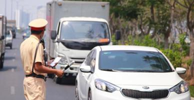 Tài xế thua kiện lỗi vượt đèn vàng với cảnh sát giao thông