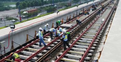 Hơn 2,4 km đường ray metro Sài Gòn được lắp hoàn thành - VnExpress
