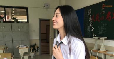 Chỉ nhờ một bức ảnh xuất thần, cô bạn Trung Quốc đã được mệnh danh nữ thần góc nghiêng