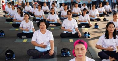 Lớp yoga miễn phí nâng cao tinh thần cho bệnh nhân ung thư