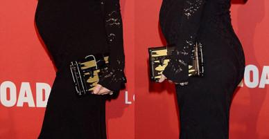 Bụng bầu to cũng không làm Miranda Kerr bớt sang và lộng lẫy trên thảm đỏ
