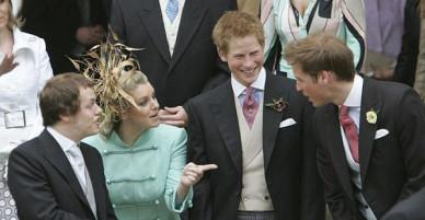 Chẳng mấy mặn mà với mẹ kế nhưng mối quan hệ giữa hai hoàng tử Anh và con bà lại khiến nhiều người bất ngờ
