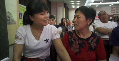 Cuộc trùng phùng đầy nước mắt của bà mẹ và người con bị bỏ rơi từ khi 2 tuổi: Nỗi buồn từ chính sách một con Trung Quốc