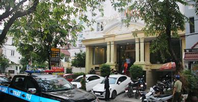 Trăm cảnh sát kiểm tra hàng loạt khách sạn ở Sài Gòn