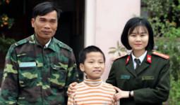 Cảnh sát giúp bé trai đi lạc hơn 300 km