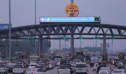 Người dân trở lại Thủ đô, đường Pháp Vân-Cầu Giẽ ùn tắc