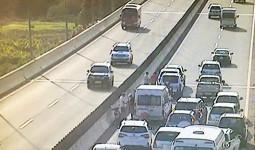 Năm ôtô tông nhau trên cao tốc TP HCM - Long Thành ngày cuối nghỉ Tết