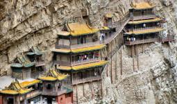 Bí ẩn của ngôi chùa dính chặt vào vách núi ở Trung Quốc