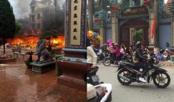 Lạng Sơn: Cháy lớn tại khuôn viên Đền Mẫu Đồng Đăng