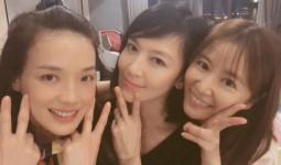 Lâm Tâm Như - Thư Kỳ khoe mặt mộc: Hai gái có chồng U45 càng ngày càng nhuận sắc