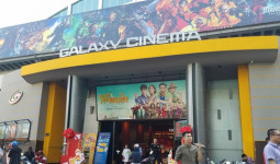 TP. HCM: Nam thanh niên dùng điện thoại quay lén trong nhà vệ sinh nữ ở rạp phim Galaxy Nguyễn Du