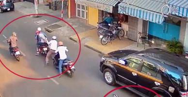 Hai thanh niên khống chế cướp ĐTDĐ mang về bán cho mẹ