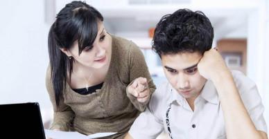Những anh chồng học cao vẫn bị vợ dìm vì lương thấp
