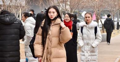 Dàn trai xinh gái đẹp nô nức thi tuyển vào Học viện Điện ảnh Bắc Kinh