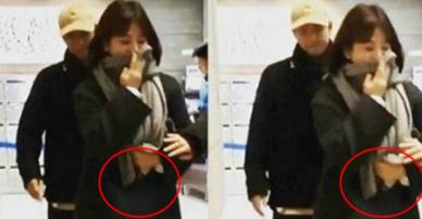 Liên tục lấy che bụng, Song Hye Kyo lại bị nghi ngờ giấu kín chuyện mang thai