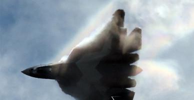 """Màn nhào lộn điêu luyện của """"bóng ma bầu trời"""" Su-57 Nga"""