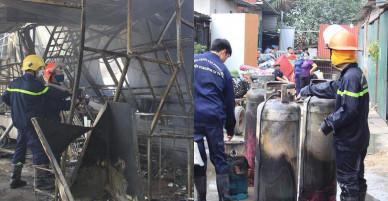 Hà Nội: Cháy lớn, thiêu rụi nhiều cửa hàng
