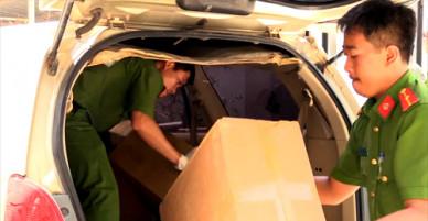 Dụng cụ sử dụng ma túy trên ôtô chở hàng lậu tông 6 cảnh sát - VnExpress