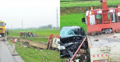 Xế hộp nát đầu sau tai nạn, 2 người chết, 5 người bị thương