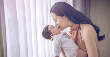 Người đẹp Lê Sang vội sinh con vì chồng đại gia đã lớn tuổi
