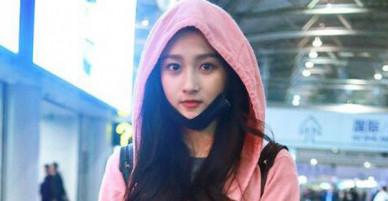 Sau sự cố trở thành thảm hoạ thảm đỏ, bạn gái Luhan lại xuất hiện xinh đẹp như nữ thần tại sân bay