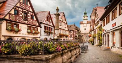 Trải bước trên những con phố đẹp nhất thế giới, có nơi từng được ví như 'Viên ngọc thời Trung Cổ'