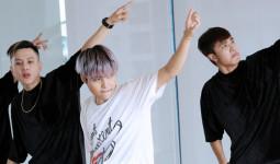 Vũ Cát Tường khoe vũ đạo trong MV dance