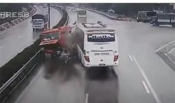 Chuyên gia giao thông: Tài xế xe khách không thể tránh được tai nạn