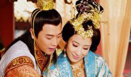 Không phải mỹ nhân, tính tình tàn độc lại hơn vua đến 19 tuổi nhưng người phụ nữ này lại khiến Hoàng đế si mê