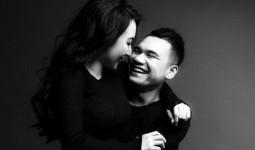 Trọn vẹn bộ ảnh cưới trắng đen đầy ngọt ngào của Khắc Việt và bà xã trước ngày về chung nhà