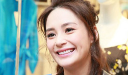 Chung Hân Đồng không giấu được niềm hạnh phúc khi chuẩn bị lên xe hoa, khoe được bố mẹ chồng yêu mến