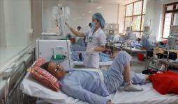 Ngày đầu đơn nguyên thận nhân tạo Bệnh viện Đa khoa tỉnh Hòa Bình hoạt động trở lại
