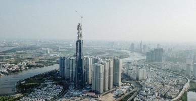 Clip, ảnh: Toàn cảnh tòa tháp 81 tầng cao nhất Việt Nam của tỷ phú Phạm Nhật Vượng nhìn từ trên cao