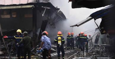 Chợ Quang rộng 1000m2 cháy rụi ở Hà Nội - VnExpress