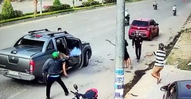 Hai nhóm thanh niên nổ súng thanh toán nhau giữa đường